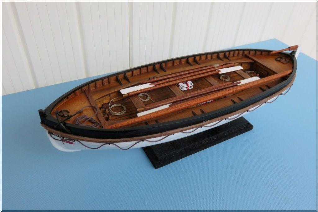 Canot de sauvetage du TITANIC Maquette Artesania Latina au 1/35eme  Canot-Titanic-05