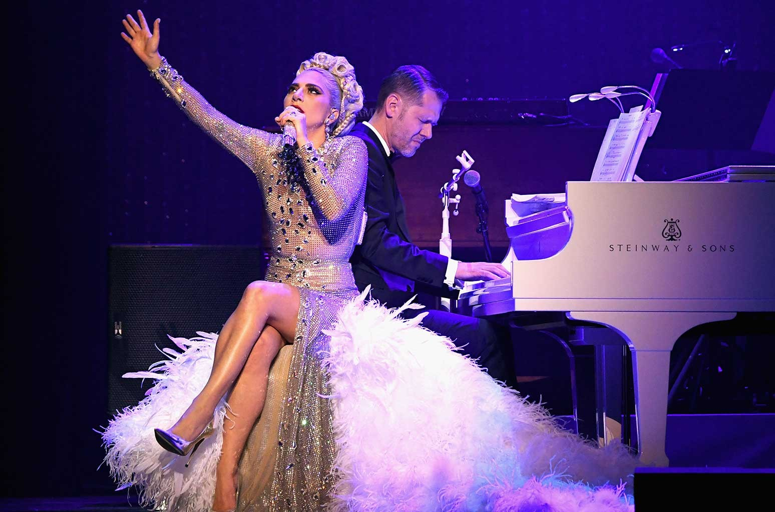 lady-gaga-jazz-and-piano-show-2019-b-bil