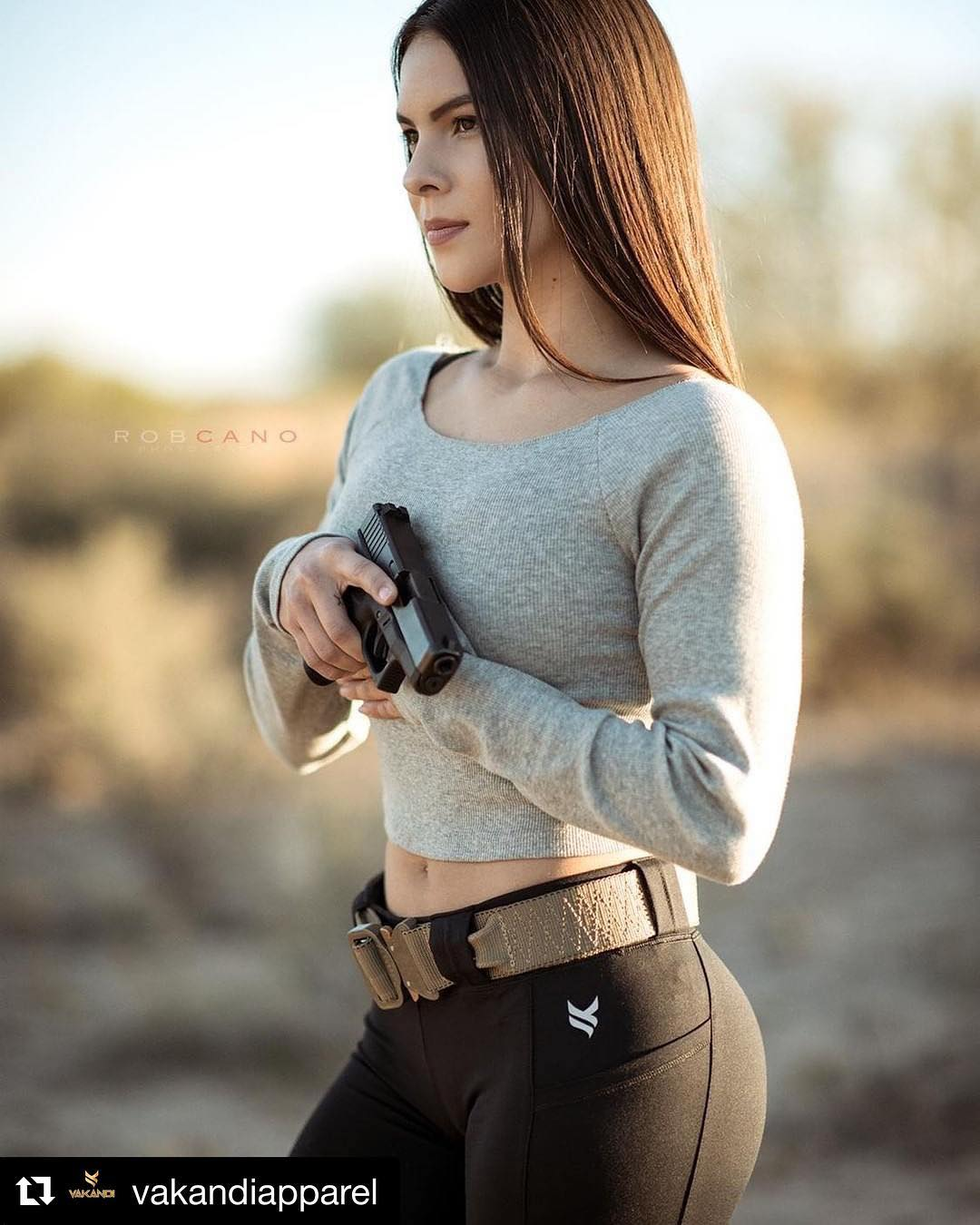 https://i.ibb.co/ZHt5rKk/Military-women-and-guns-Hot-army-girls-Hot-military-girls-with-firearms-Tactical-girls-Sexy-Armed-Gi.jpg