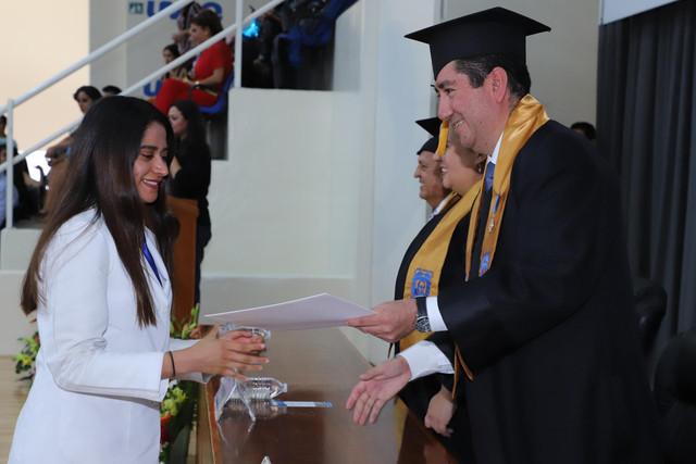 Graduacio-n-Medicina-76