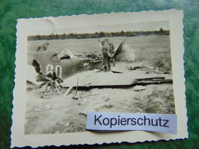 Altes-Foto-Russischer-Flieger-Flugzeug-Kennung-Nummer-Tr-mmer-WW2