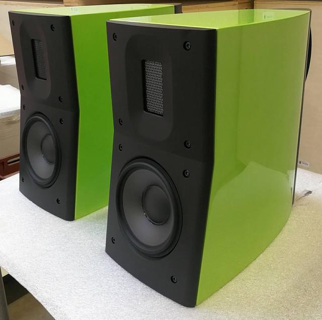 Raidho-speakers-in-Lamborghini-Green-Borresen-thread-audioshark