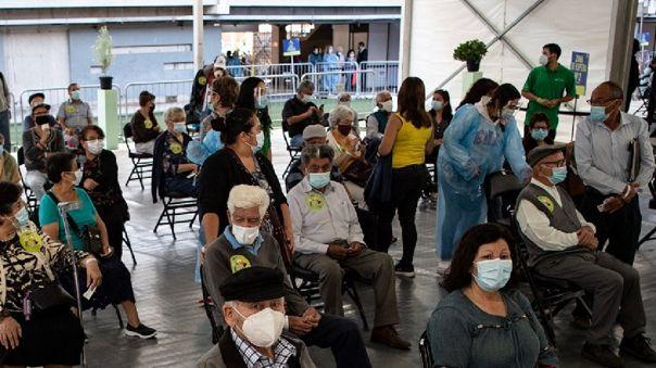 chile-no-van-a-tener-derecho-a-vacunarse-los-extranjeros-que-se-encuentren-en-el-territorio-con-visa-de-turista