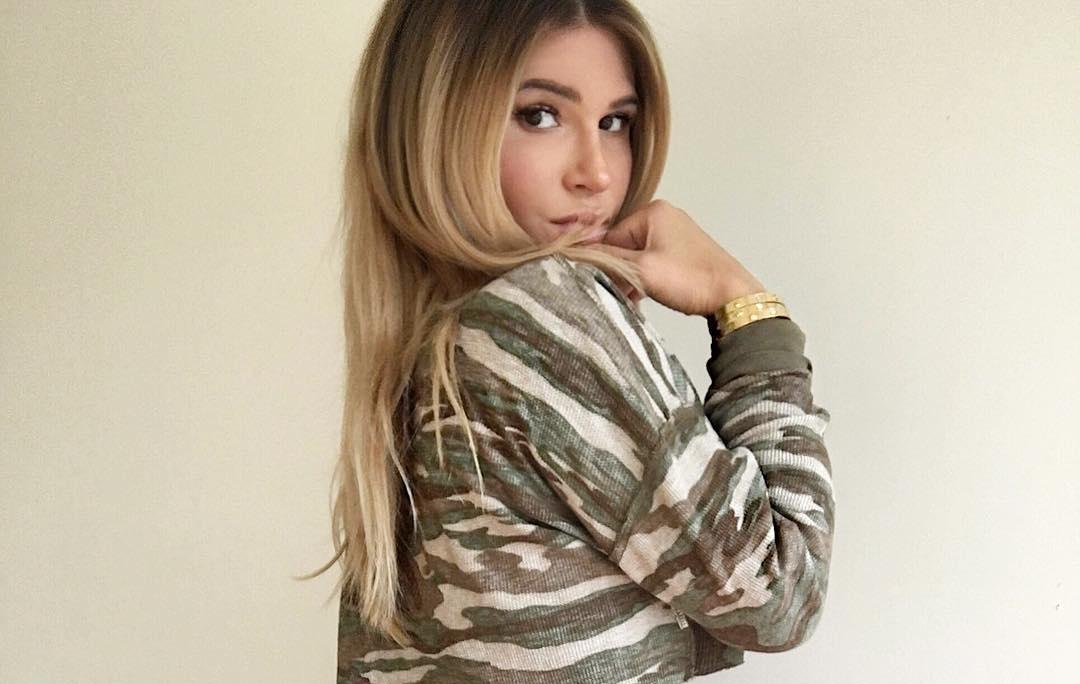 Lauren-Pisciotta-Wallpapers-Insta-Fit-Bio-4