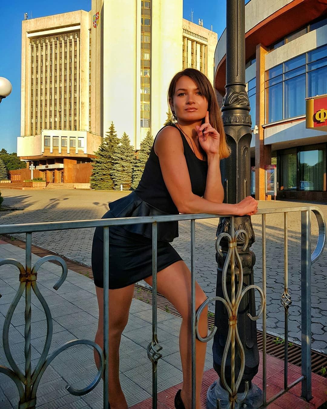 Olga-Madych-Wallpapers-Insta-Fit-Bio-13