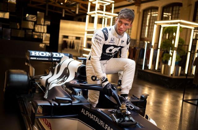 F1 2021 : La Scuderia AlphaTauri a présenté sa nouvelle Formule 1, baptisée AT02 2021-launch-gallery6-scuderia-alphatauri