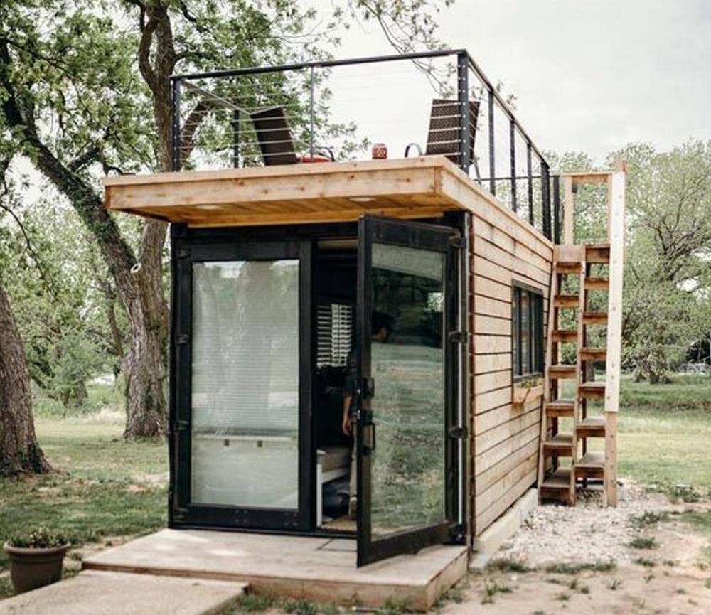 Desain Rumah Kecil dengan Tema Grey Wood House