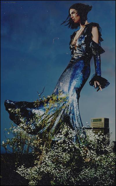 unusual world • chataigna Fleur-bleue