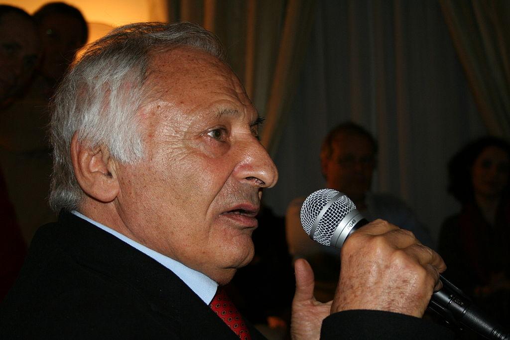 Mogol compie 85 anni. Auguri al poeta della musica