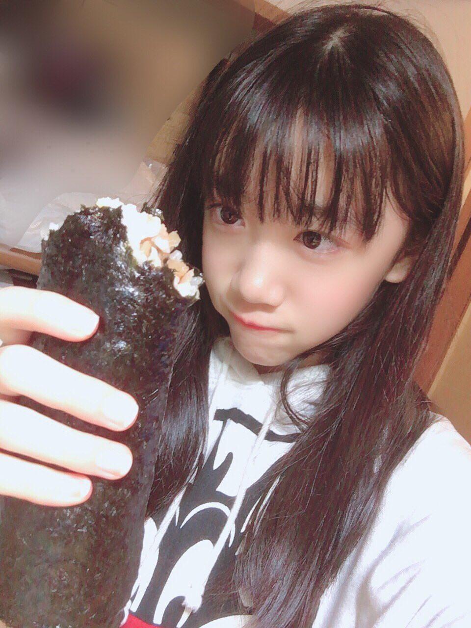 又长又黑的惠方卷-美女吃惠方卷的浮想联翩-星宫动漫