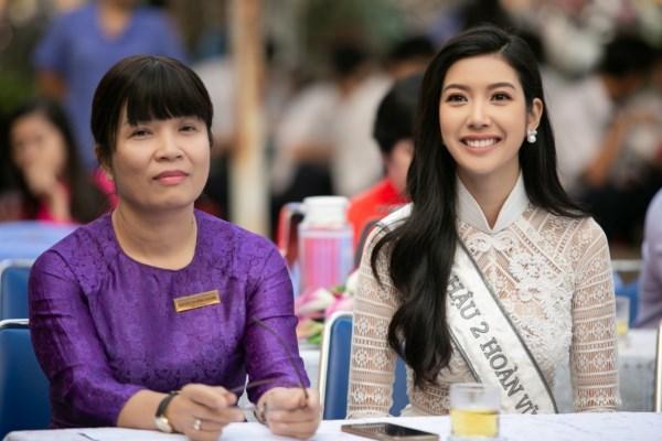 A-hau-Thuy-Van-Hoat-dong-ve-truong-Hoa-hau-Hoan-vu-Viet-Nam-2019-47-1600x1200-1600x1200.jpg