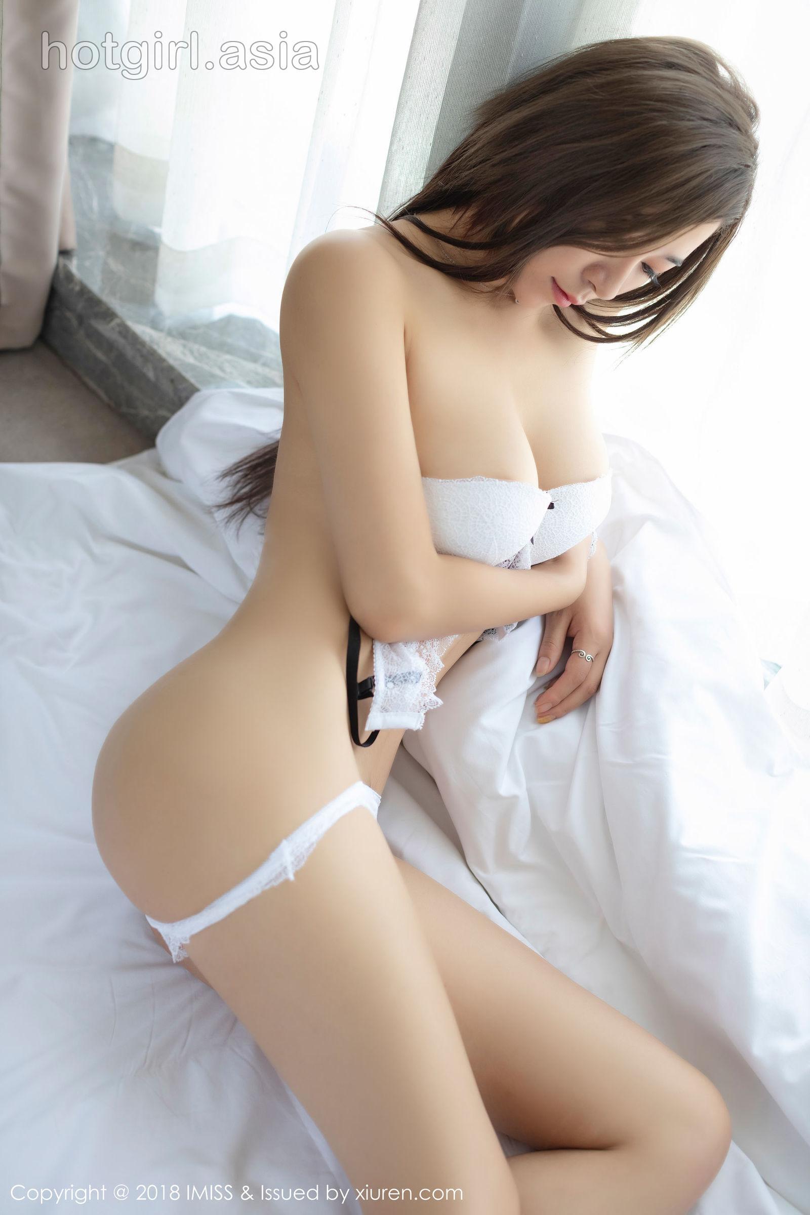 [IMiss 爱 蜜 社] Vol.302 Model @ 雪儿 Cier Sexy Photo