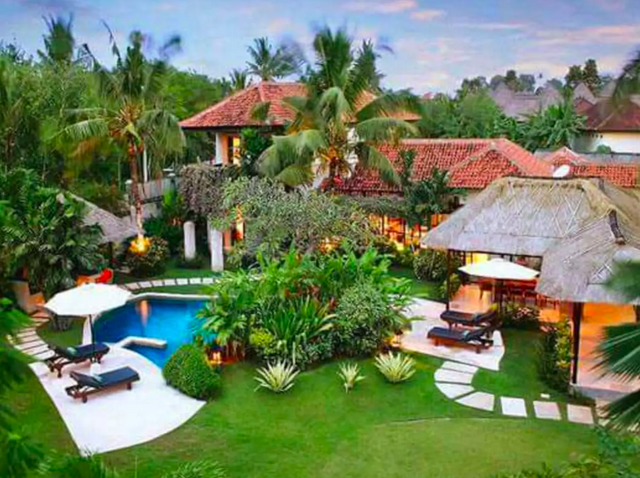 Our beautiful villa for this trip!