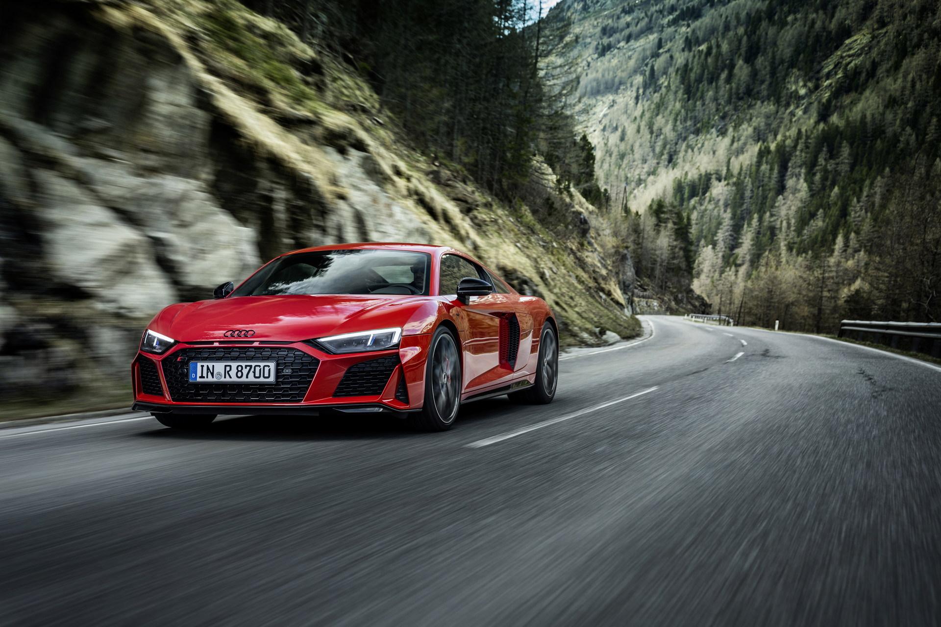 2022-Audi-R8-V10-Performance-RWD-9