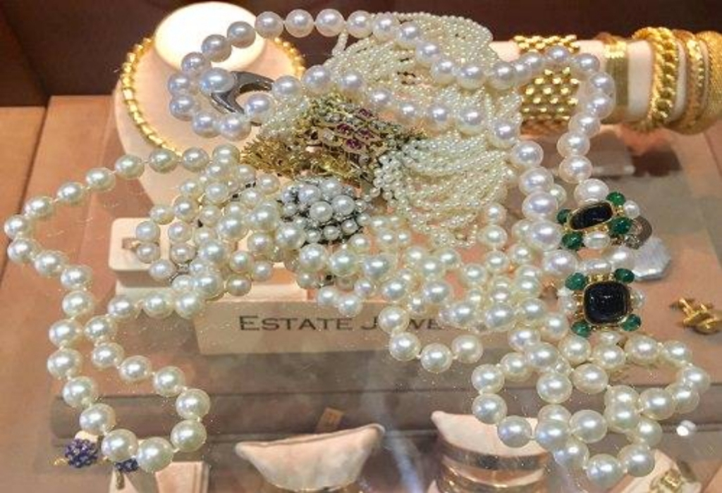 Manage Jewelry Well