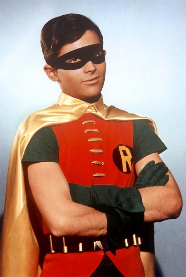 БРЭДЛИ ЛЮБЯЩИЙ: «МОРКОВКА» ВОЗНЕСЕНИЯ Robin