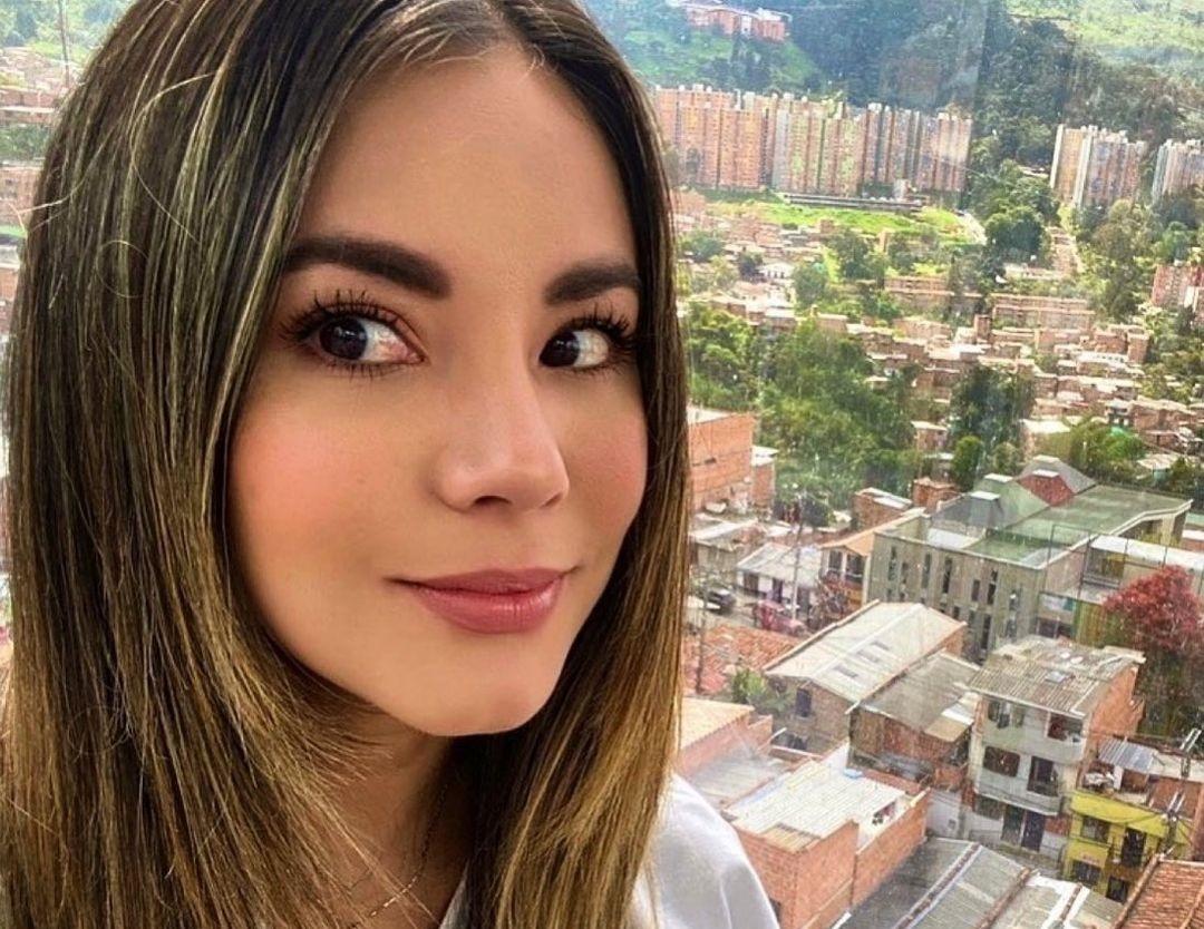 Jennifer-Penaranda-Wallpapers-Insta-Fit-Bio-7