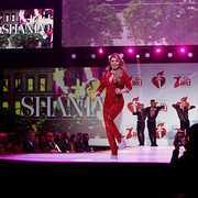 reddresscollection020520-performance12