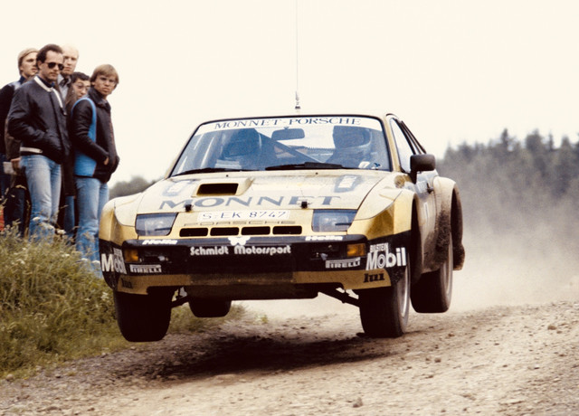 Porsche-924-Carrera-GTS-Rally-2