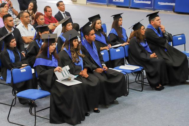 Graduacio-n-Gestio-n-Empresarial-60