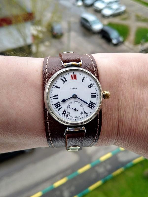 01-Zenith-wristwatch-1917.jpg