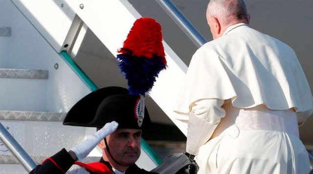 Papa-Francisco-Vuelo-Papal-JMJPanama-Vatican-Media-23012019