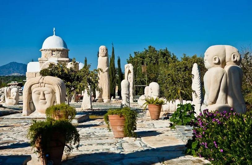 Парк скульптур Кипр фото