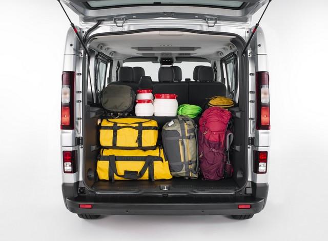 Le Nissan NV300 Combi Fait Peau Neuve New-NV300-Combi-Trunk-storage-3-1200x881