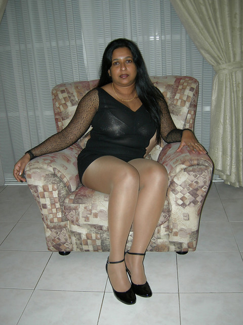 indian-milf-aunty-kalpana-bhabhi-nude-indian-girls-club