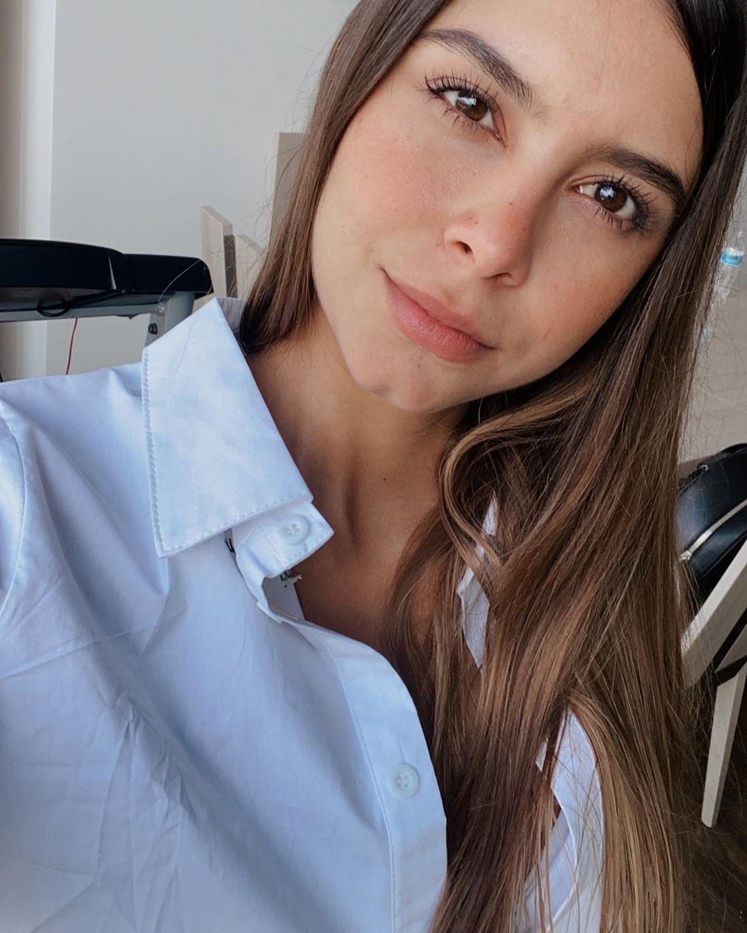 Daniela-Medina-Wallpapers-Insta-FIt-Bio-4