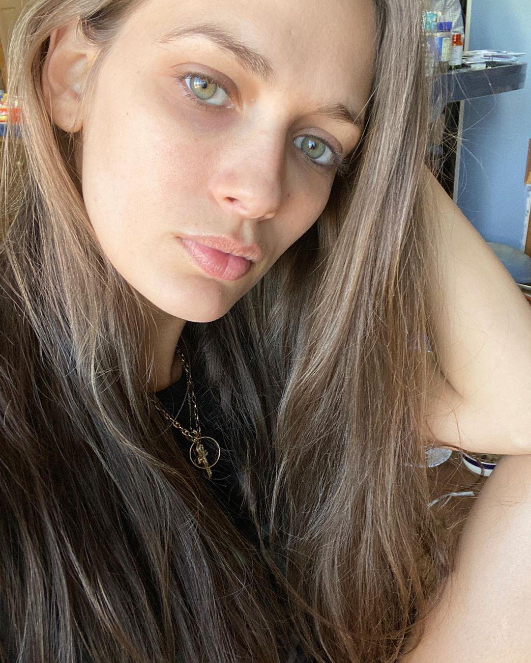 Jessica-Dykstra-Wallpapers-Insta-Fit-Bio-3