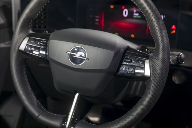 Re: 2021 - [Opel] Astra L [OV51/52] - Page 25 E567-B2-A3-9-CC4-48-A2-83-BE-1898-B372-B782