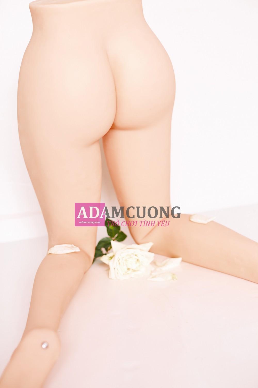 White-rose-Thin-Y-Leg-15