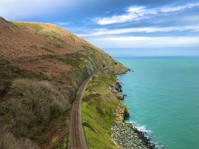 cliffwalk.jpg