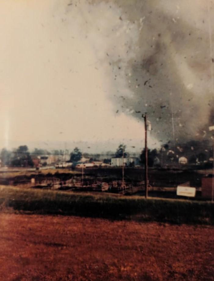 wheatland-tornado-8-mike-sisic.jpg