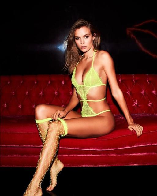 Josephine-Skriver-Sexy-The-Fappening-Blog-com-1-768x959