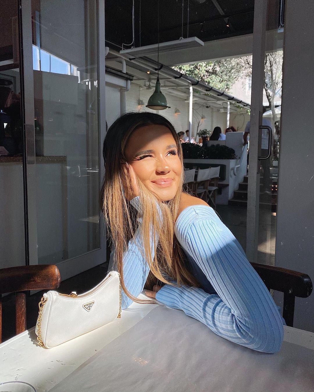 Isabelle-Clarke-Wallpapers-Insta-Fit-Bio-11