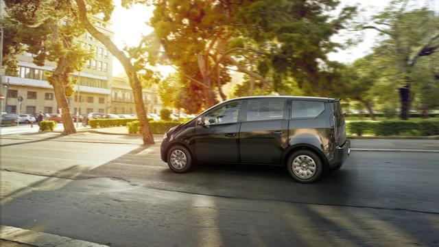 sono-motors-sion-driving-side-profile-rear