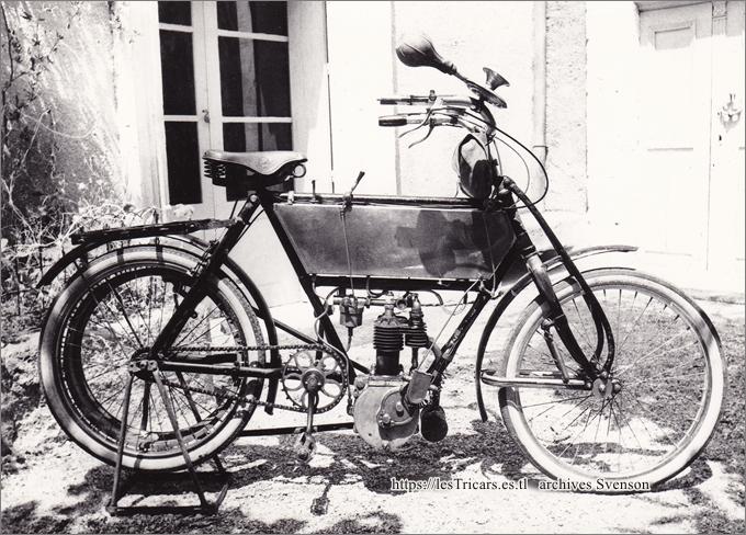 motocyclette Werner, modèle 1906, bicylindre, photographie