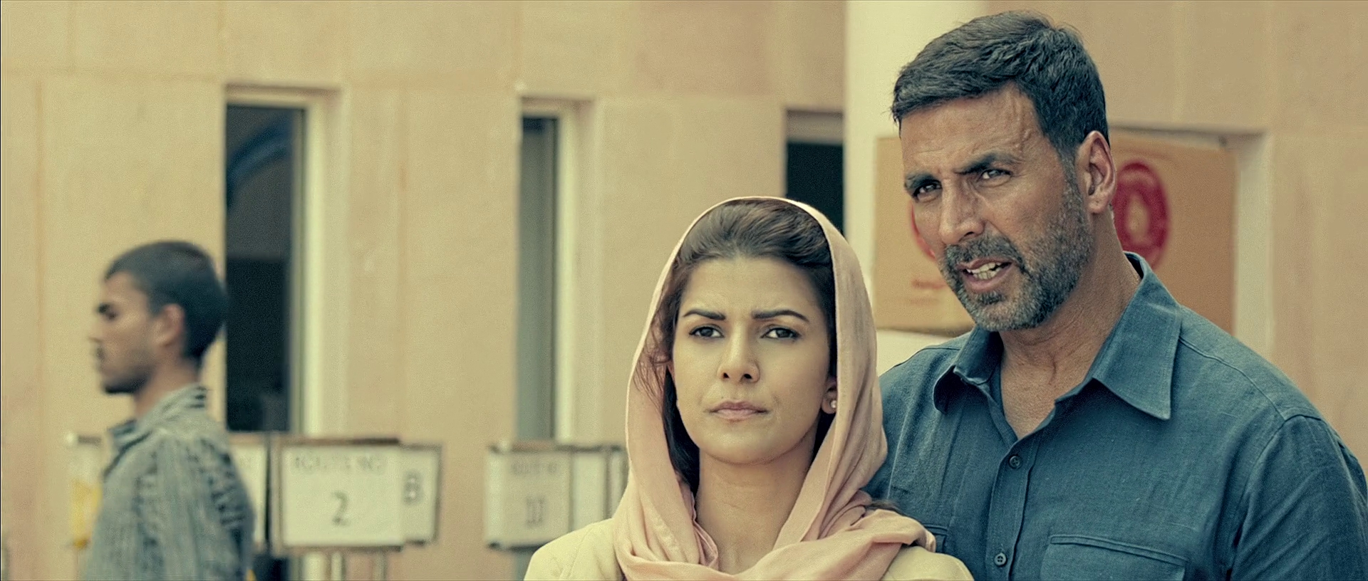 Airlift-2016-826