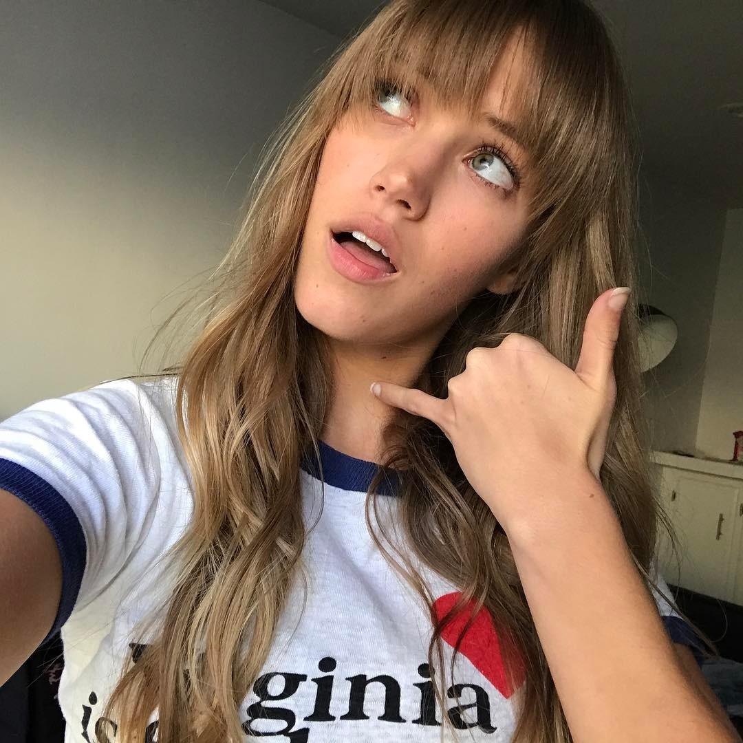 Rachel-Faulkner-Wallpapers-Insta-Fit-Bio-10