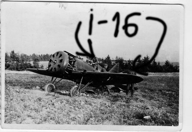 Orig-Foto-Luftwaffe-beute-Flugzeug-I-16-Rata-Jagdflugzeug