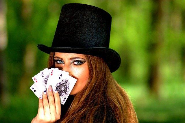 https://i.ibb.co/bLb1tQK/poker-gambling.jpg