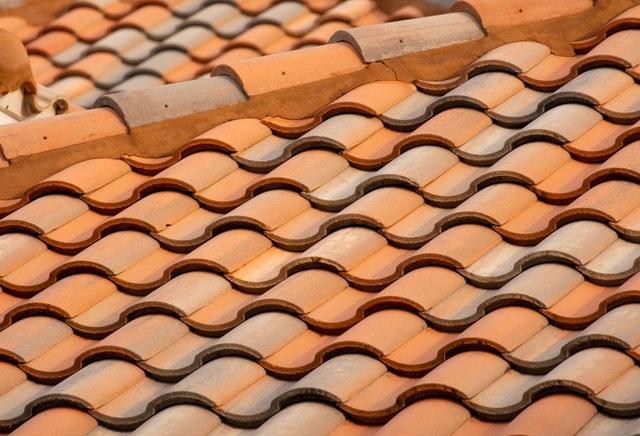 https://i.ibb.co/bLzXCSQ/kingston-roofing.jpg