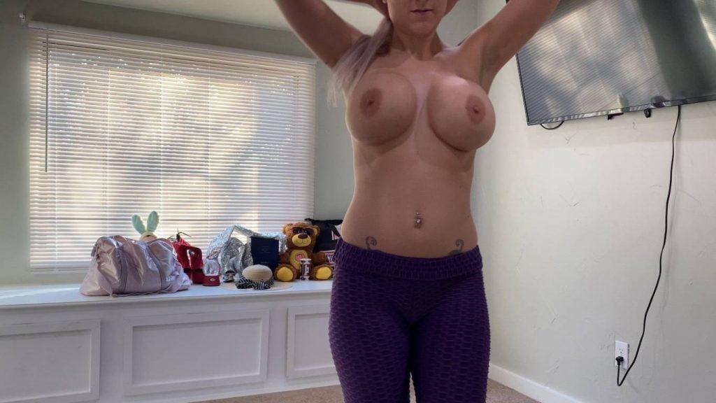 Voyeur-Flash-com-Trixie-Thomas-nude-11-1024x576
