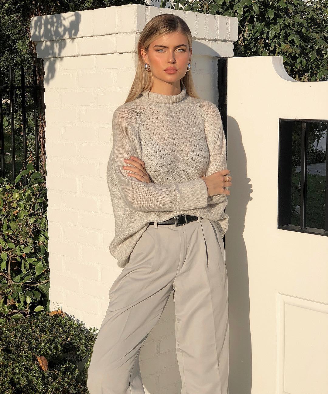 Kellie-Stewart-Wallpapers-Insta-Fit-Bio-1