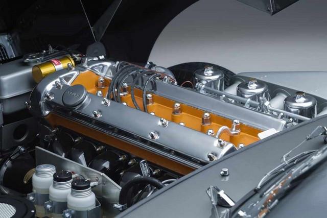 """Jaguar Classic Dévoile La Type """"60 Collection"""" : Homage Au 60e Anniversaire De La Sportive Légendaire 10-E-TYPE-FHC-engine-02"""