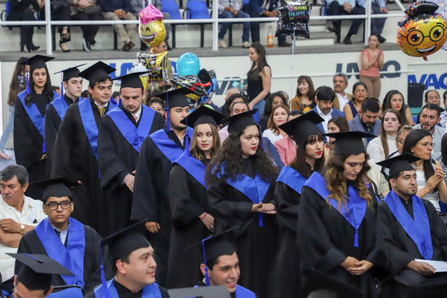 Graduacio-n-Cuatrimestral-57