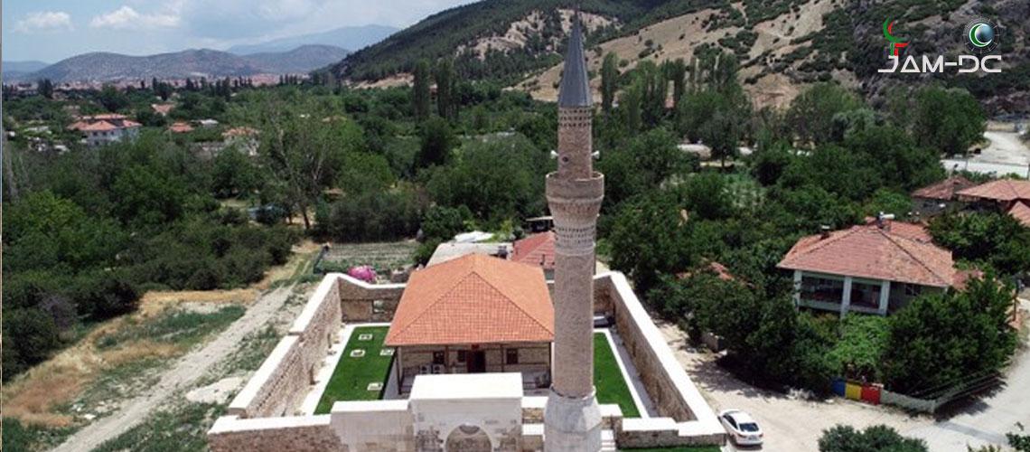 700-летняя мечеть обнаружена в Анталии