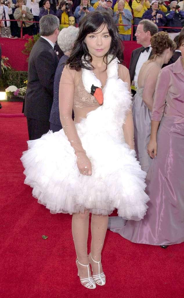 634-Oscars-Worst-Dressed-Bjork-mh-022213